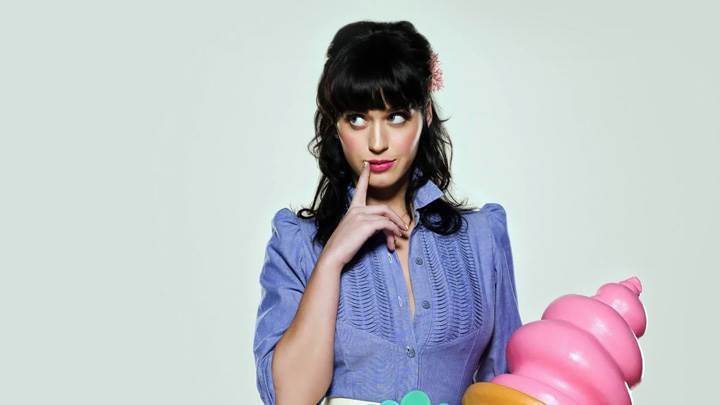 Katy Perry Thinking Somthing In Blue Top