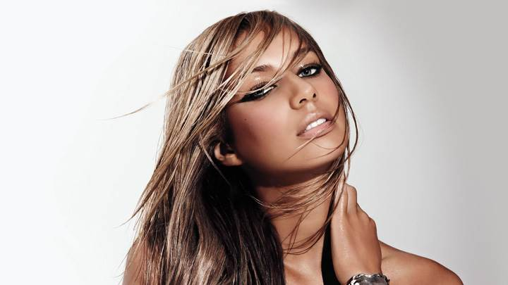 Leona Lewis Hot Looking N Oily Body Photoshoot