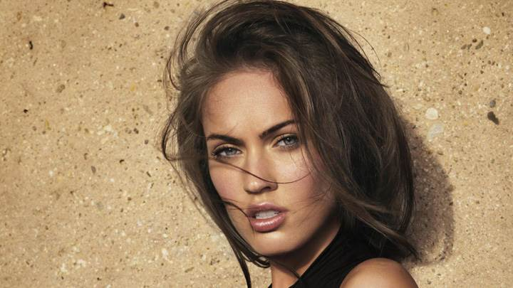 Megan Fox Looking Front Cute Eyes Face Closeup
