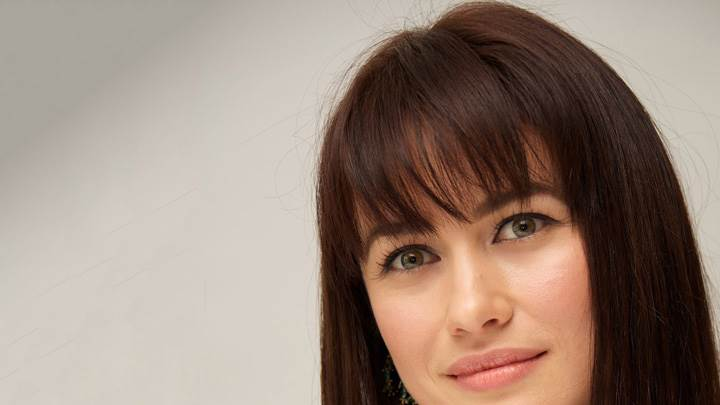 Olga Kurylenko Cute Eyes Face Pose At Press Conference In Beverly Hills