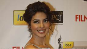 Priyanka Chopra Smiling At Filmfare Awards 2012 Red Carpet