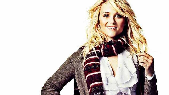 Reese Witherspoon Sweet Smiling In Woollen Dress N Golden Hairs