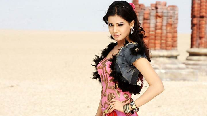 Samantha Ruth Prabhu Modeling Pose In Dookudu Movie