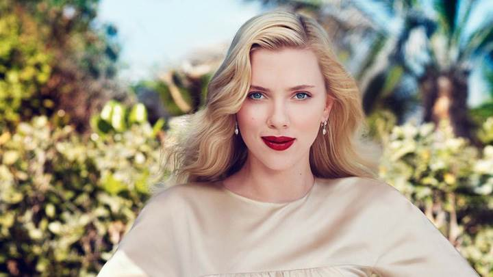 Scarlett Johansson Cute Eyes Front Pose At Craig McDean Photoshoot