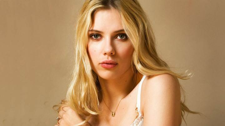 Scarlett Johansson Looking At Camera Front Pose