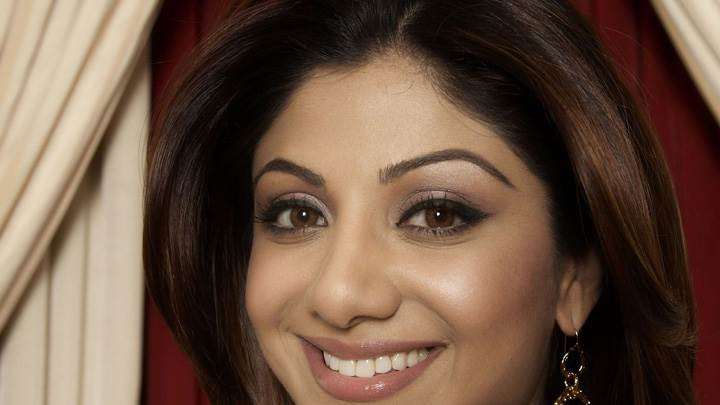 Shilpa Shetty Brown Eyes And Face Closeup