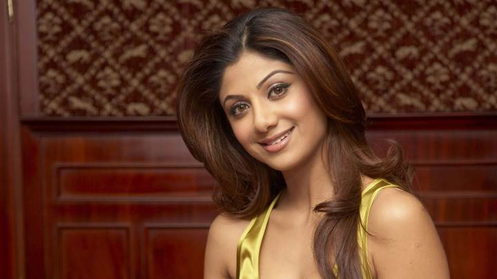 Shilpa Shetty Smiling Looking At Camera