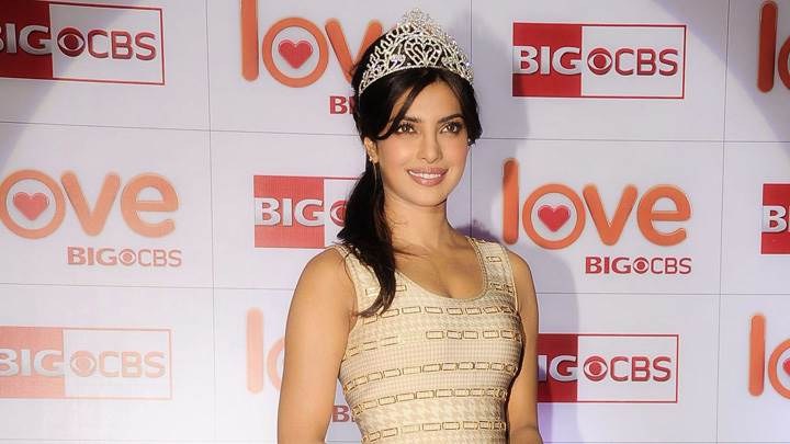 Smiling Priyanka Chopra Crowned Indias Glam Diva At CBS Big Love Show Launch