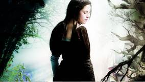 Snow White and the Huntsman – Kristen Stewart Closed Eyes N Side Pose