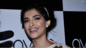 Sonam Kapoor Smiling Face At Ave 29 Art Gallery Opening Ceremony