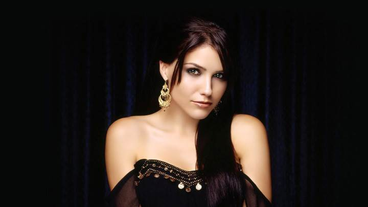 Sophia Bush In Black Dress Cute Eyes Photoshoot