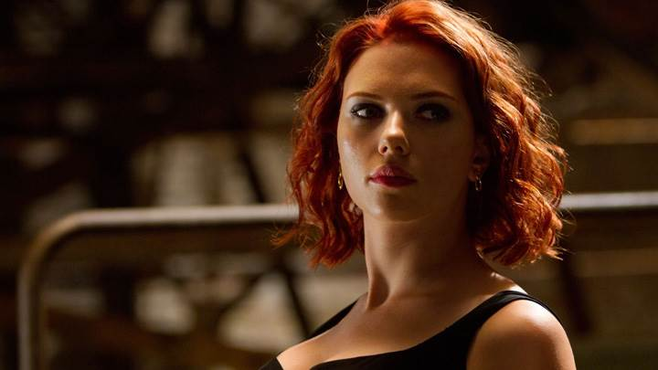 The Avengers – Scarlett Johansson Looking Side Photoshoot