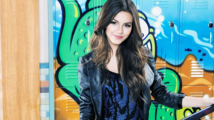 Victoria Justice Cute Innocent Face In Black Jacket