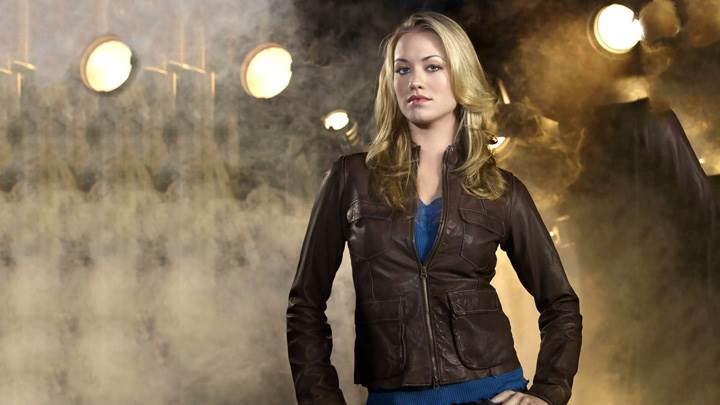 Yvonne Strahovski Modeling Pose In Brown Jacket