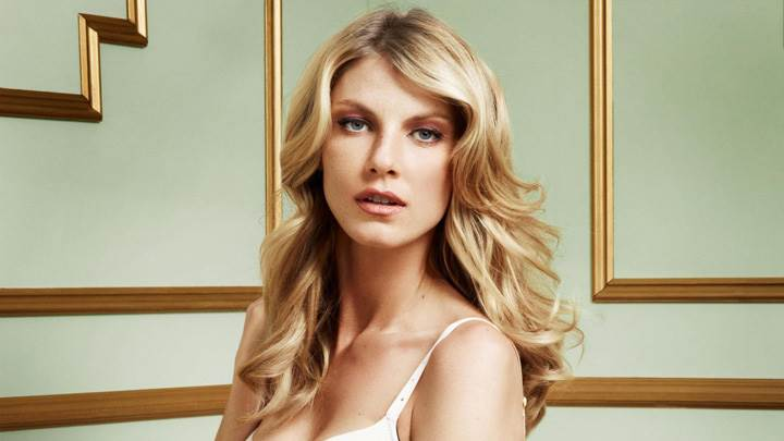 Cute Look Of Angela Lindvall