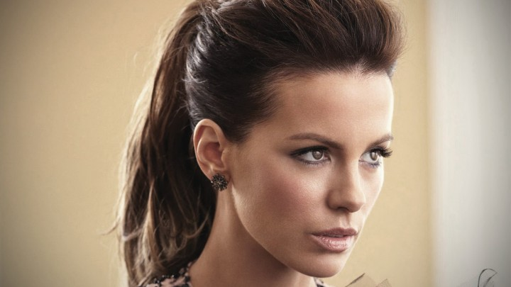 Kate Beckinsale Looking Something Side Face Closeup