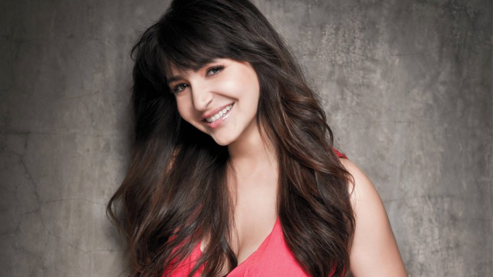 Anushka Sharma In Pink Top Smiling