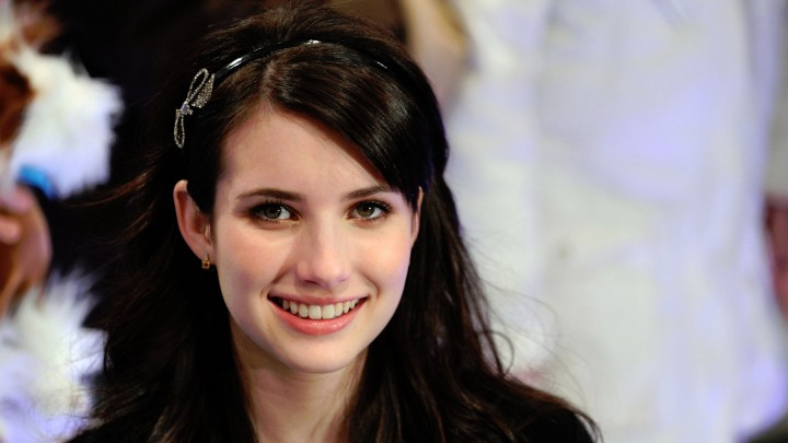 Emma Roberts Cute Face Smiling Looking Front