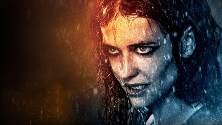 Eva Green Looking Angry In 300 – Rise Of An Empire