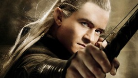 Orlando Bloom With Bow In The Hobbit – The Desolation Of Smaug