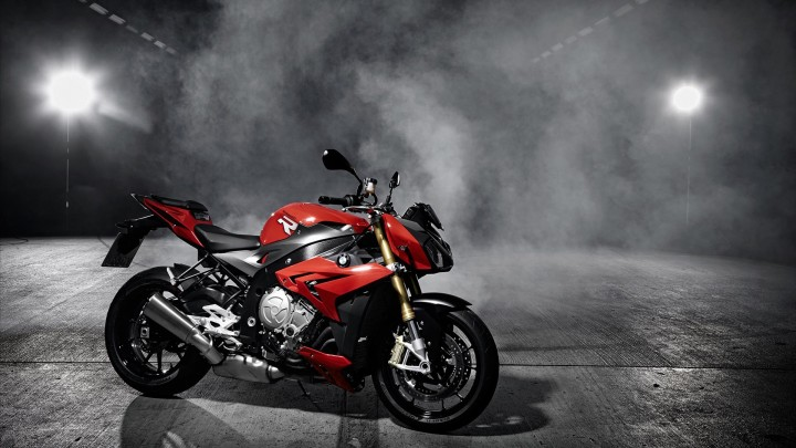 Red 2014 BMW S1000R Side Pose