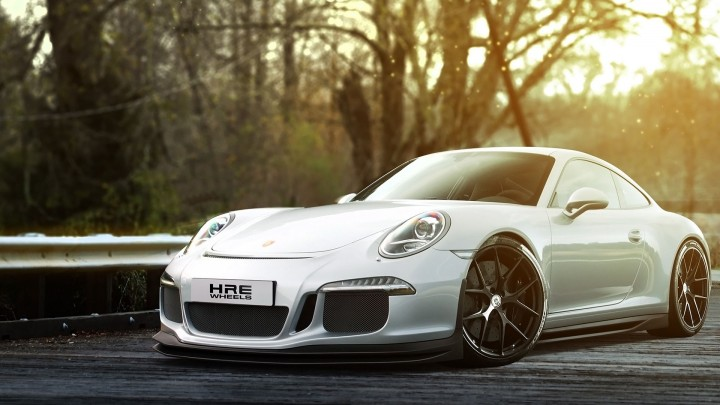 Silver Porsche 911 GT3 Ready To Fly