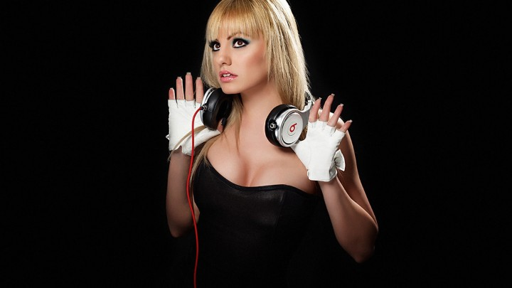 Alexandra Stan In Black Dress White Gloves In Hands