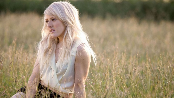 Ellie Goulding Sitting In The Crop Field
