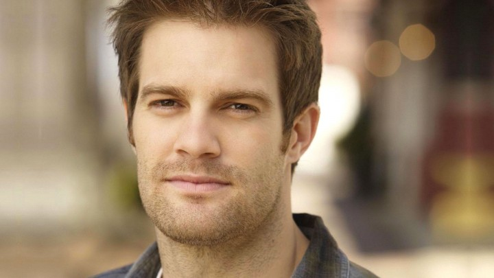 Geoff Stults Face Closeup Smiling Brown Eyebrows & Hairs