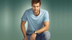 Geoff Stults In Blue T-Shirt And Blue Denim