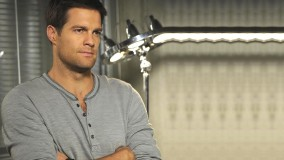Geoff Stults Wearing Grey T-Shirt