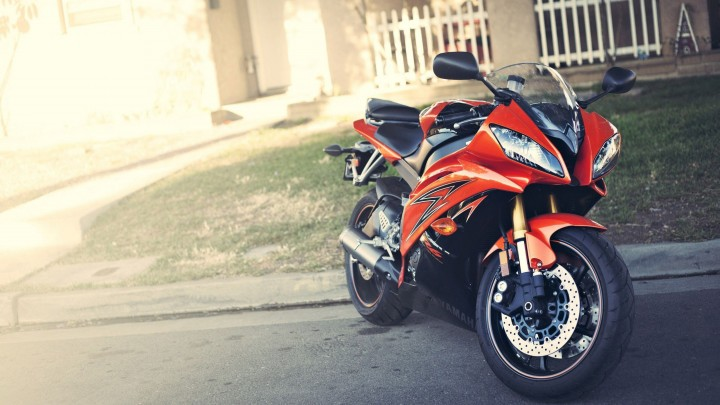 Standing On Roadside 2014 Yamaha YZF-R6 In Orange